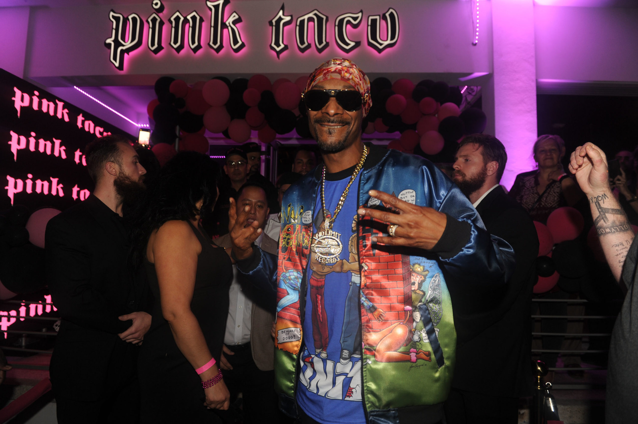 Snoop Dogg at pink taco